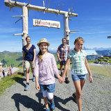 Kinder beim Wandern in Saalbach-Hinterglemm - ©TVB Saalbach-Hinterglemm