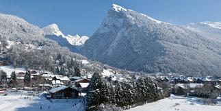 Le Grand Massif, l'un des plus grands domaines skiables de France, accessible à tous ! - ©Office de Tourisme de Samoëns