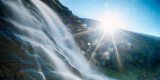 Viel Wasser bestimmt die Szenerie in Flims Laax - ©Flims Laax | gaudenzdanuser.com