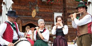 Neben traditioneller Volksmusik wird in Lech auch viel klassische Musik in diversen Festivals aufgeführt - ©Lech Zürs | Mathis