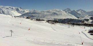 80 stations de ski encore ouvertes en France - ©OT Alpe d'Huez