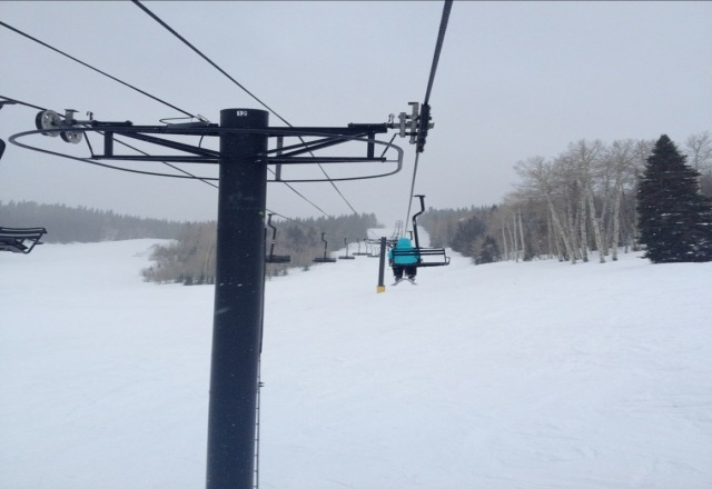 great day at Sunlight! not so sunny but conditions were good and we had the mountain to ourselves !!