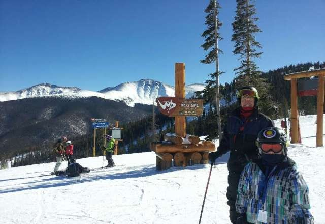 nice conditions for holiday weekend.  greens and blues still in great shape very little ice.  5-7 lift line waits