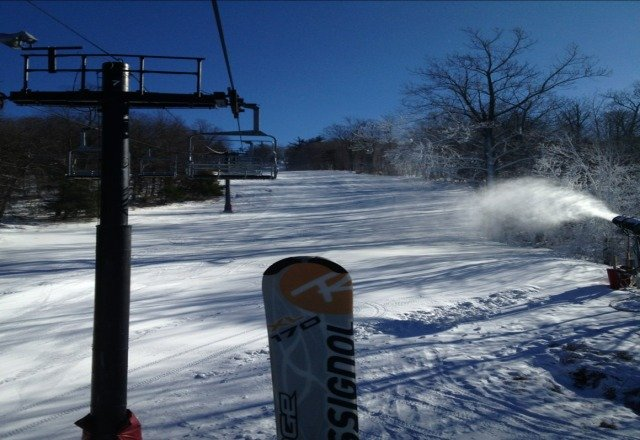 Played hooky from work on Thursday 1.24 and had a good day skiing solo at Mohawk. Wind chill had to be below 0 and the snow was hard but zero lift lines and only $20 for 4 hour ticket is very good value. 15 runs, just under 7500 vert. Not bad for Connecticut.
