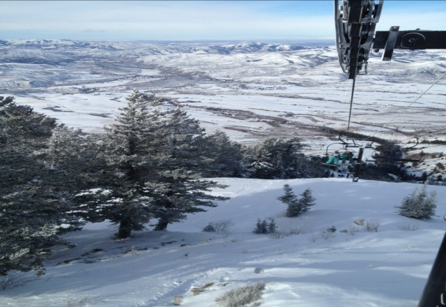 day before christmas. can someone post a pic of liftline? my favorite run or the rock and rattlesnake?