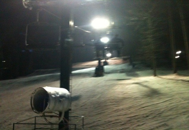 went last night to do their 'new years ski'...parking lot showed they were busy. But the slopes were nice with very little traffic. No lines on for the lifts. Pretty great night.