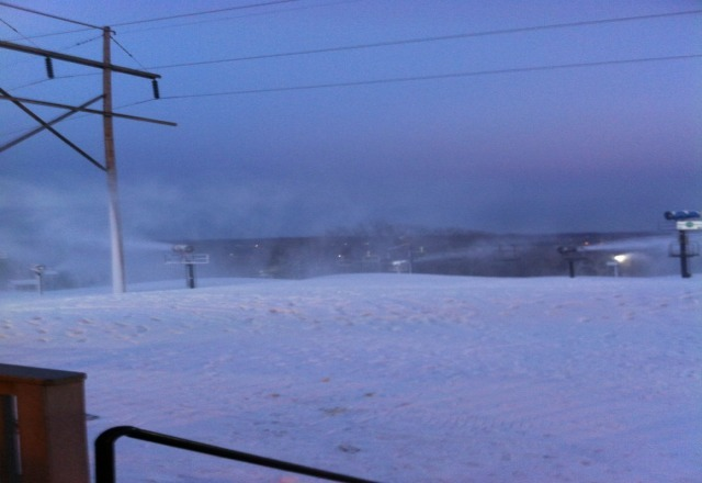 check out the new snow at the peaks!!;()                  the dude'