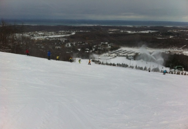 photo taken at 3:00 friday jan. 18th. they are making snow on every hill. conditions are pretty good, the odd hill has sheets of ice but not bad.  Most hills are mixed groomed & powder. Almost no sign of the January thaw.