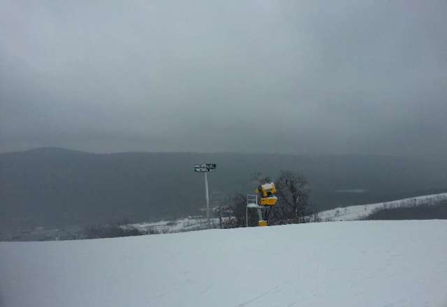 great conditions today. except for when the freezing rain came down. no lines today
