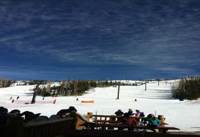 heck of a ski day today, sunny and good conditions!