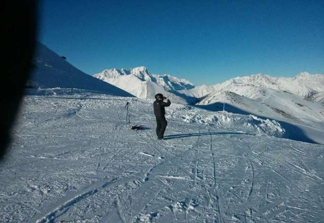 Lovely sunny powder boarding in la thuille and las ros, beautiful. off piste perfect, Cookie.