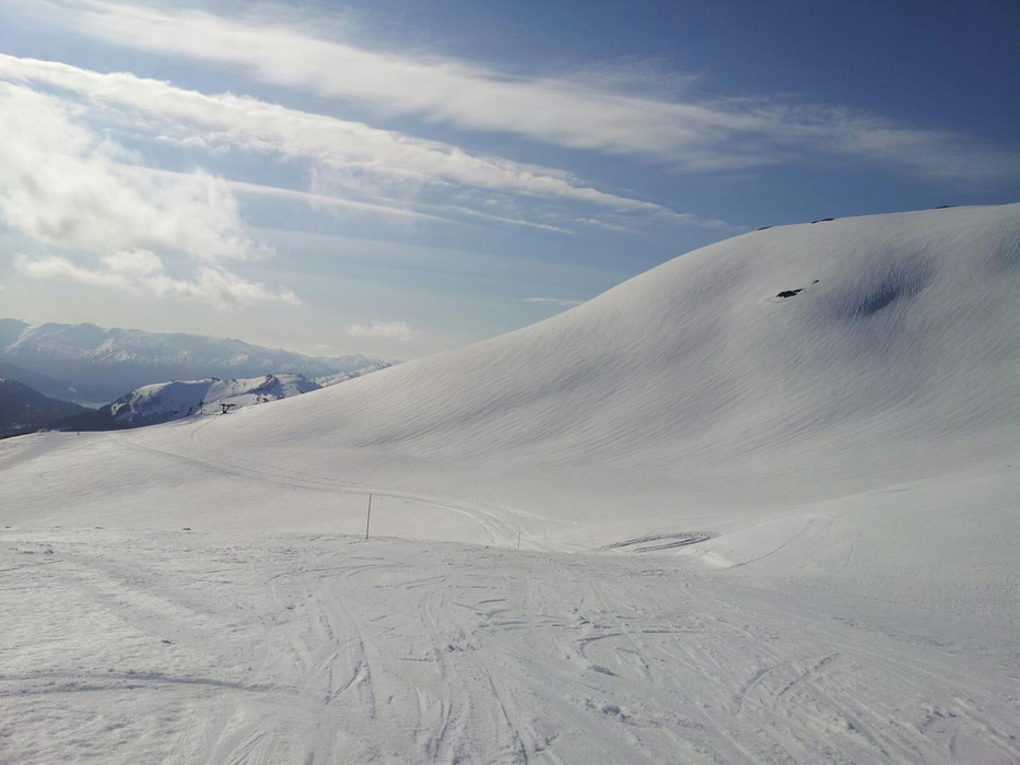 Harpefossen Ski resort in powder