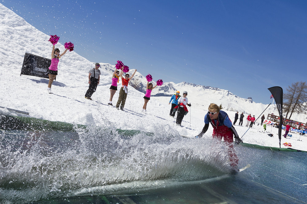 Passage incontournable de la fin de saison : le waterslide des Arcs - ©Manu Reyboz