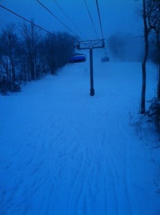 Dumping all day long plenty of pow and carintha has plenty of fun rails to hit great day Riding VT