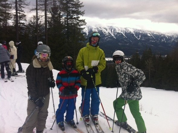 Skied Fernie on the 30th,had a great day, Currie Bowl was a joy in the afternoon. The resort needs some investment better lifts from base area and bigger day lodge as trying to find a seat at lunch time was a slow process.