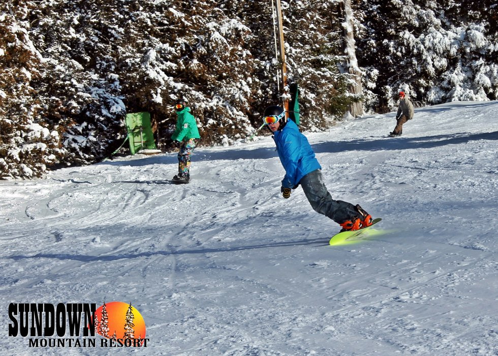 Making turns at Sundown Mountain - ©Sundown Mountain