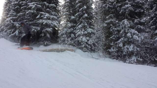 fresh powder this morning great conditions. still not great low down