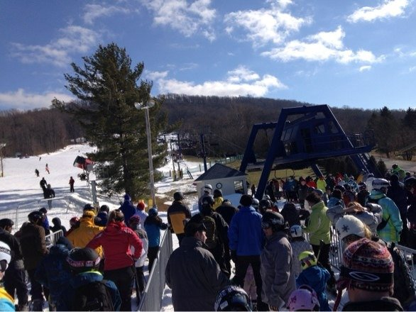 Long lines today. Snow ok. Wind's coming up.