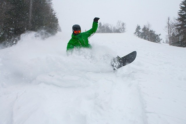 Pax dropped nearly 2 feet of fresh on Snowshoe Resort. - ©Snowshoe Resort