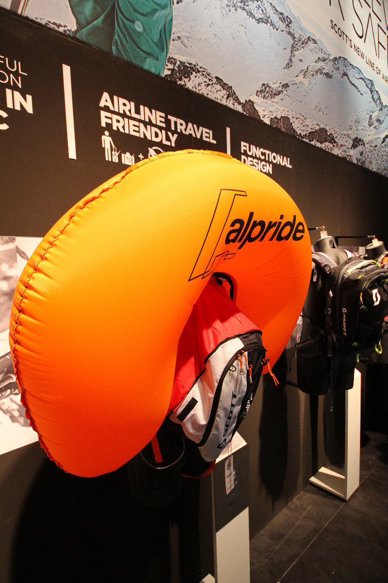 Scott avalanche backpack at ISPO 2014 - ©Skiinfo