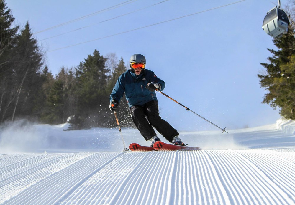 Carving picture-perfect cord at Loon Mountain.