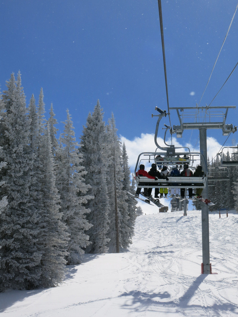 Winter wonderland in Vail: clear skies and trees crackling with frost - ©Micaela Romani