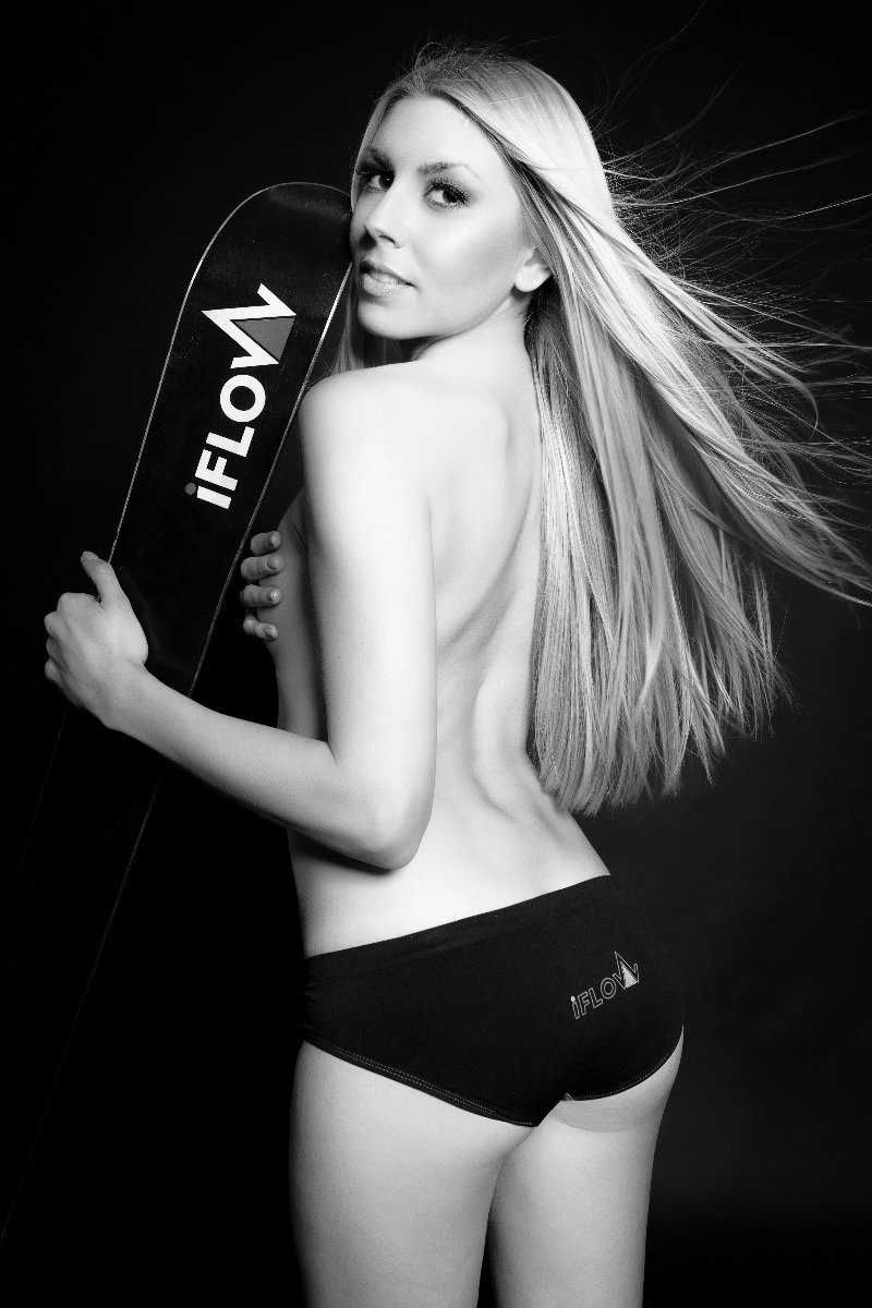 Ski instructor calendar 2015: Miss February - ©Gitta Saxx | www.skilehrerinnen.at