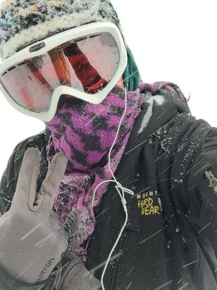 Yesterday was an awesome powder day! Rerailer jumps are not up yet... The 3