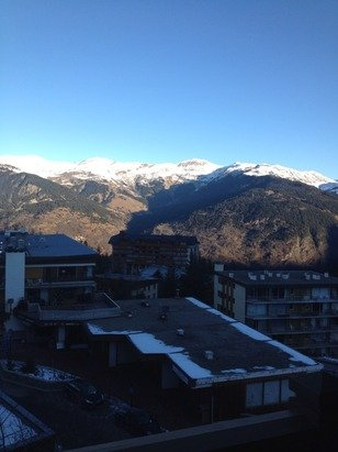 Another bright snowless day in the Alps