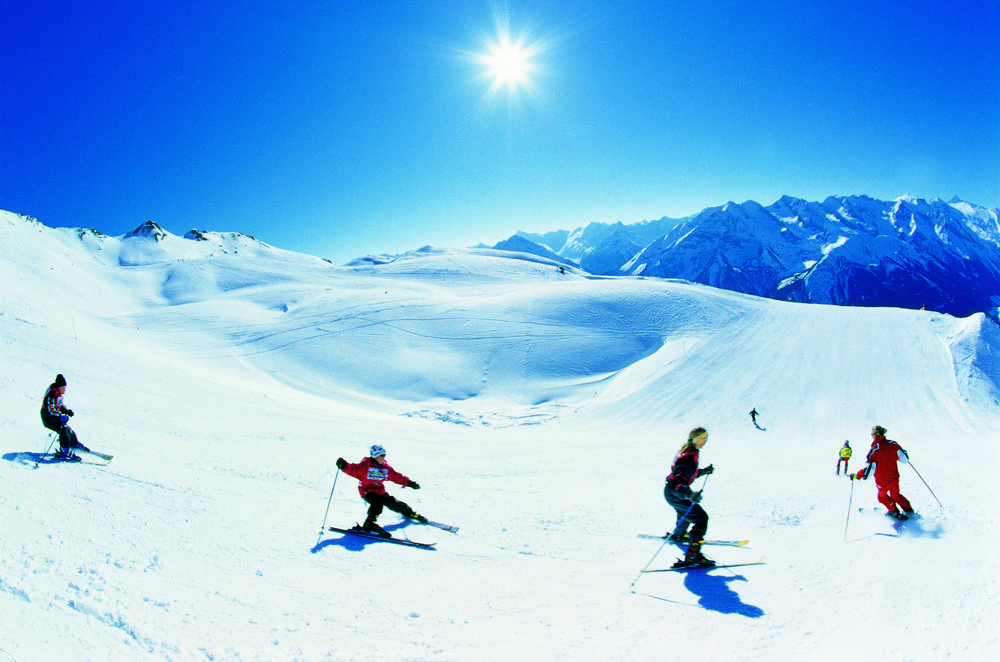 Skiers at Hochfugen, AUT.
