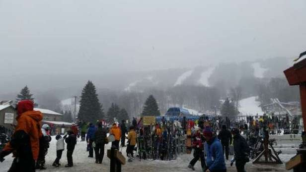it is snowing here @ Camelback Mtn!! conditions are improving!! having a blast!!