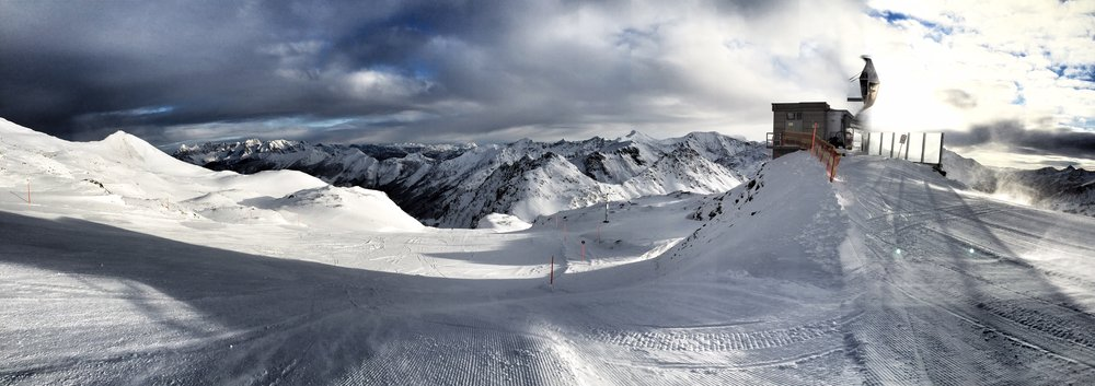 A wonderful view above the rangy mountains - ©Obertauern