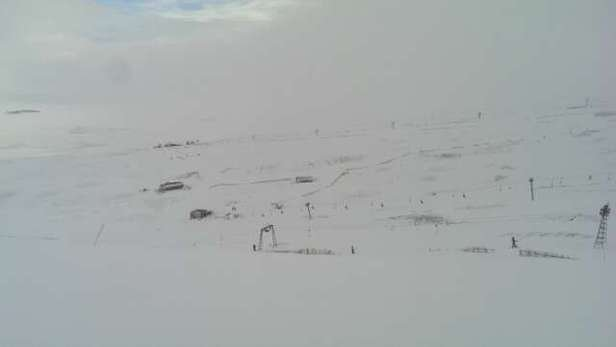 Good snow, a bit patchy in areas, can board to car park.