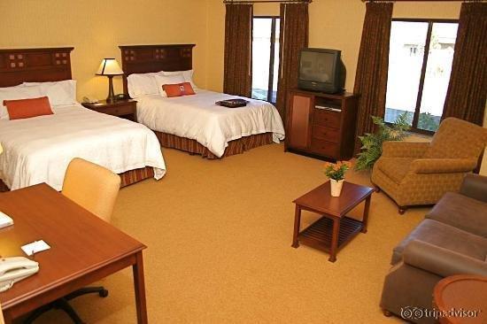 Hampton Inn & Suites Tahoe - Truckee