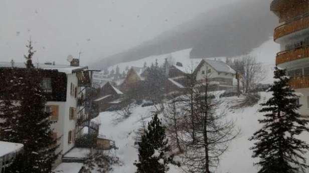 Alpe d'huez  snowing