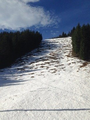 Rode Crystal Mtn yesterday (1/25) and the top half is still worth the drive up. All runs for Rainier express/forest queen are corny/slushy with icy patches in ye shades areas. Definitely ride the Gondy down if u can...way too many rocks!!