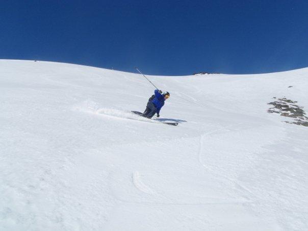 Galdhopiggen Glacier ski - ©A Fosland | -whiteass- @ Skiinfo Lounge