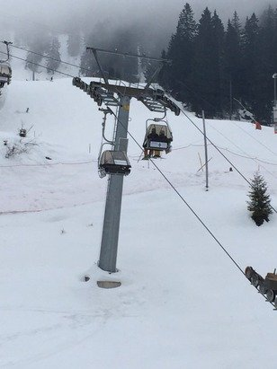 Cloudy and windy. Balmeregghorn lift closed