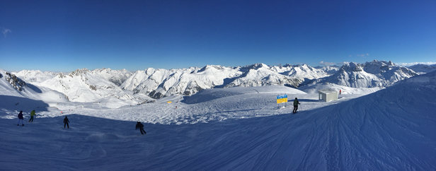 Beautiful blue bird day. Some ice and mogals towards the end of the day. Still powder if you go looking for it.