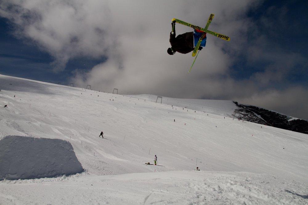 Galdhopiggen Glacier ski - ©Even Sigstad | Skiinfo Norge @ Skiinfo Lounge