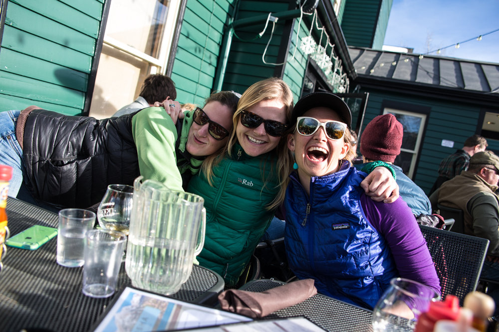 Après party time for the ladies of Breckenridge. - ©Liam Doran