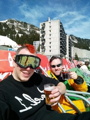 Les Carroz - it may be slushy but we're making the most of it!! - ©geoffpalmeruk