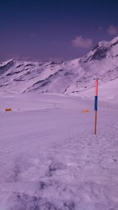 Grindelwald - First - Icy and hard in mornings on Oberjoch area above First. Stunning vistas with warm sunshine.