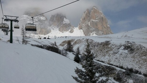 Campitello di Fassa - Col Rodella - Sellajoch - Firsthand Ski Report - ©mashinks