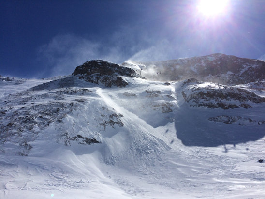 Alpe d'Huez - Still some good snow to be found higher up!