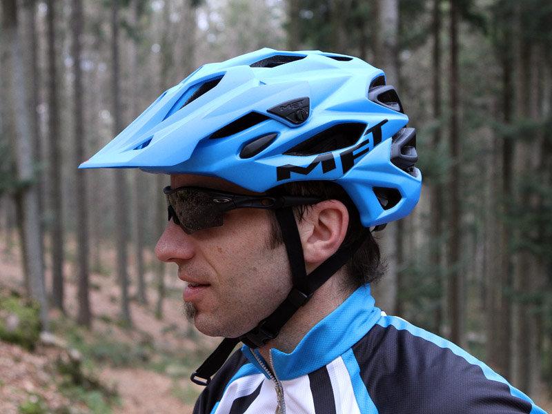 all mountain bike helm der met parabellum im test bergleben. Black Bedroom Furniture Sets. Home Design Ideas