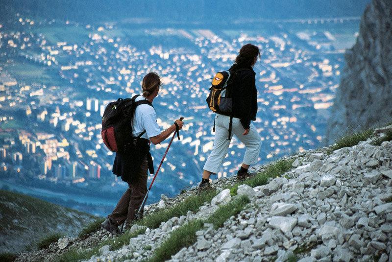 Traumblick auf Innsbruck beim Aufstieg zur Mandlscharte. - ©Tirol Werbung/Klaus Kranebitter