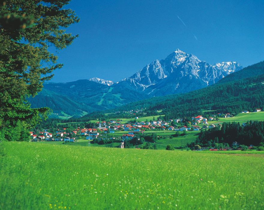 Scenic Mutters near Innsbruck, AUT.