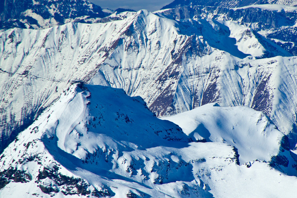 Schilthorn trail viewed from Jungfraujoch - ©David Wright | drollawright @ Skiinfo Lounge