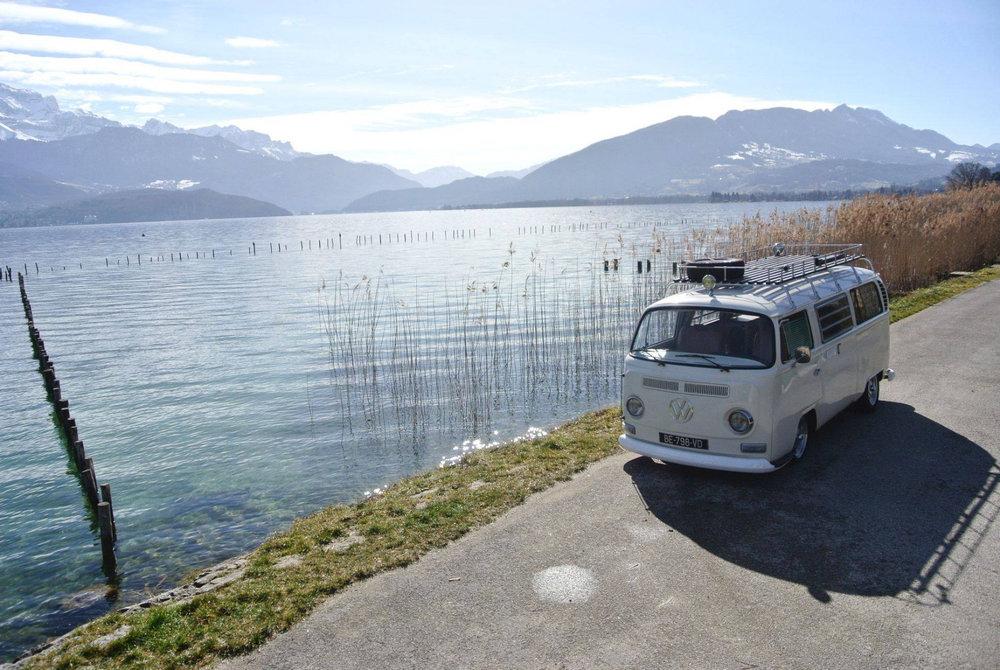 road trip dans les alpes en combi volkswagen skiinfo. Black Bedroom Furniture Sets. Home Design Ideas